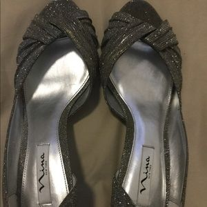 Nina New York Size 11 Silver Gray